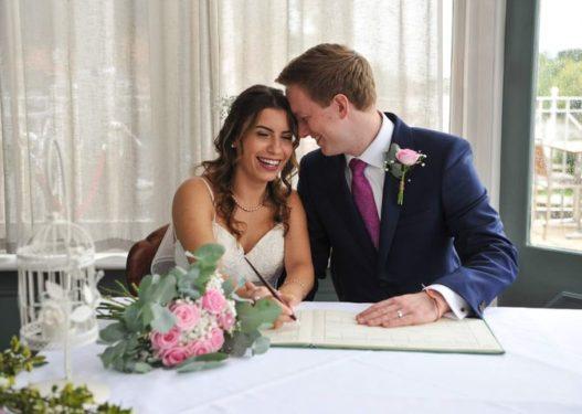 Ia pa hajrin internetit, 25-vjeçarja martohet në Angli me djalin që njohu online