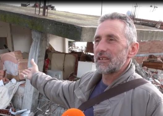 Dëmshpërblimi i premtuar nga qeveria për tërmetin, banori: Nuk mjafton as për të blerë hekurat!