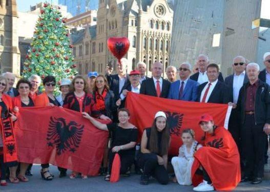 Shqiptarët në Australi mbledhin 255 mijë dollarë për të prekurit nga tërmeti