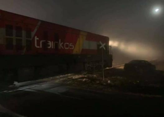 Treni godet një veturë afër Prishtinës, ka të lënduar