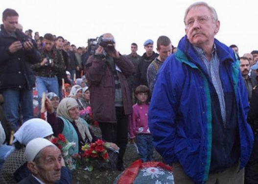 """Vuçiq tha se """"masakra e Reçakut ishte trillim"""", vijnë reagime të ashpra nga Kosova"""
