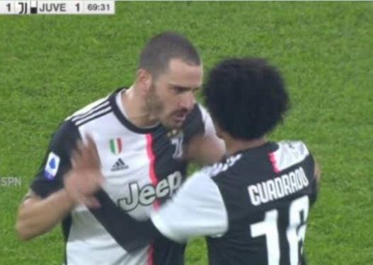 Plas te Juventusi, Bonuçi bën sherr me Kuadradon gjatë ndeshjes
