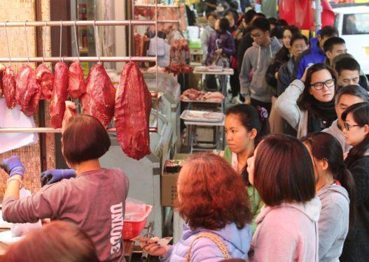 Në tregun ku lindi virusi vdekjeprurës kinez tregtohej mish qeni, dhelpre, akrepa dhe gjarpërinj