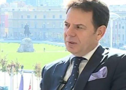 Tenori i njohur kërkon dorëheqjen e Ramës: Merr me vete të gjithë zagarët që mbajnë peng demokracinë shqiptare