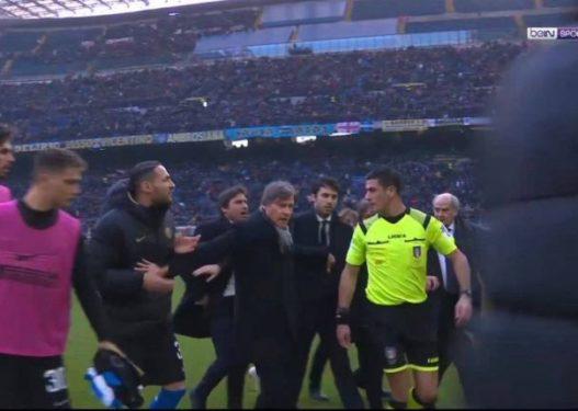 Plas në fundin e ndeshjes, Conte dhe lojtarët e Interit i vërsulen arbitrit