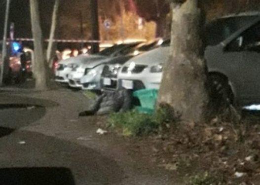 Gentian Kasa u qëllua me 4 plumba dhe u gjet në trotuar nga e shoqja, del fotoja nga vendngjarja