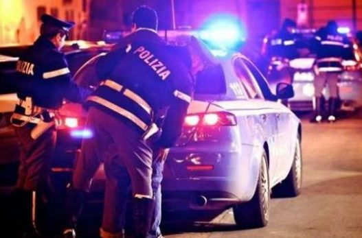 Tentuan të shtypnin policët/ Shqiptari në telashe serioze, plumba ndaj makinës