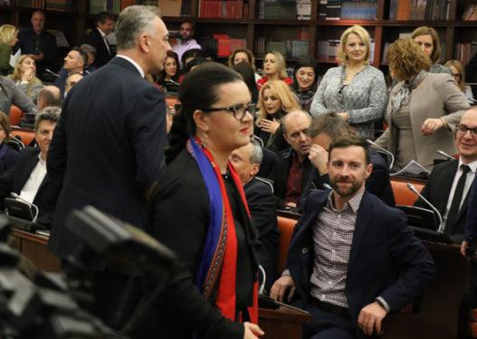 Maqedoni e Veriut/ Për luftën kundër korrupsionit dhe krimit debatojnë: të akuzuar, të dyshuar dhe deputetë të amnistuar