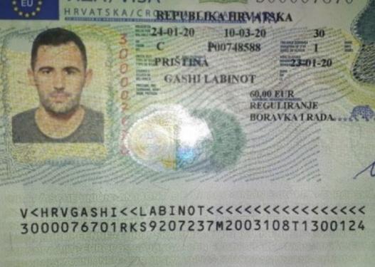 I riu nga Kosova largohet për në mërgim, u lë një porosi politikanëve: Do t'ju zë gjaku i dëshmorëve