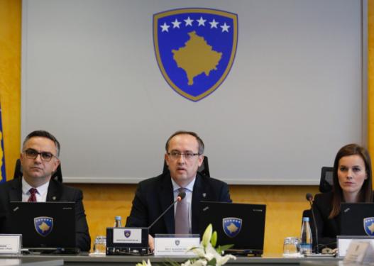 E FUNDIT/ Avdullah Hoti heq reciprocitetin me Serbinë