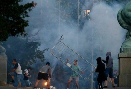 I del flaka Beogradit/ Nata e dytë e protestave të dhunshme