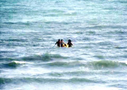 Fundosja e varkës me katër persona, gjendet trupi i gruas së mbytur
