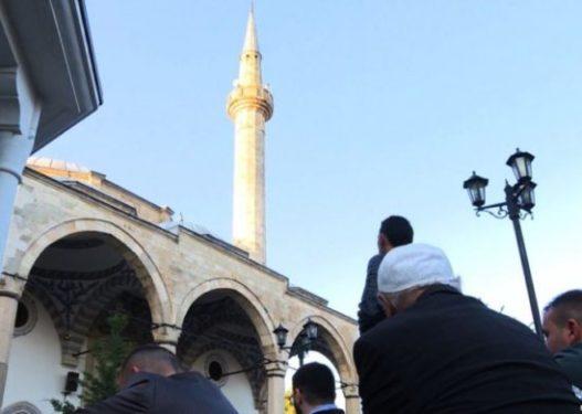 Rihapen xhamitë në Kosovë