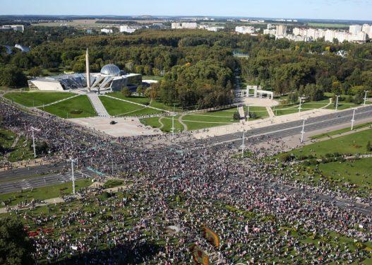 Të vendosur për largimin e presidentit, mijëra protestues mbushën sërish rrugët në Bjellorusi