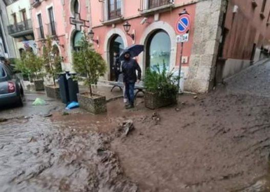 Stuhi dhe reshje bore, Italia përfshihet nga moti i keq