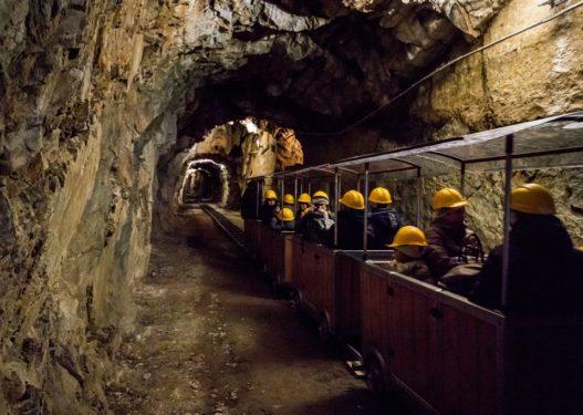 U gjetën të vdekur/ Kush ishin inxhinieri dhe dy punëtorët që u asfiksuan në minierën e Dibrës?