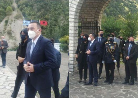 Festa Kombëtare e Greqisë/ Zv.ministri i Jashtëm grek kryen homazhe tek varrezat e Këlcyrës: Falenderoj Shqipërinë mike!