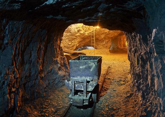 Dibër/ Tre persona humbin kontaktet me familjarët, dyshohet se janë bllokuar në minierë
