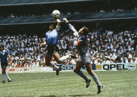 """Momenti që e shoqëroi gjithë jetën, çfarë thoshte Maradona për """"dorën e zotit""""?"""