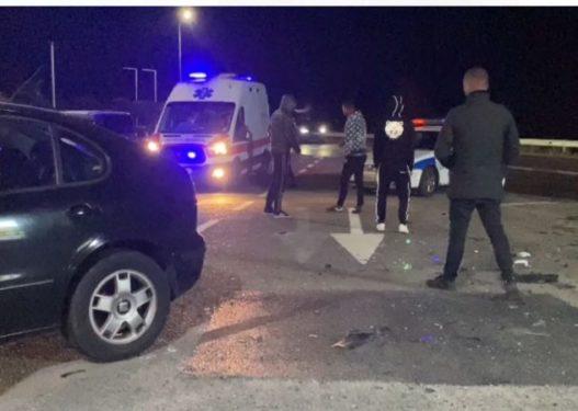 Aksident në superstradën Lezhë-Milot, plagosen dy drejtuesit e mjeteve