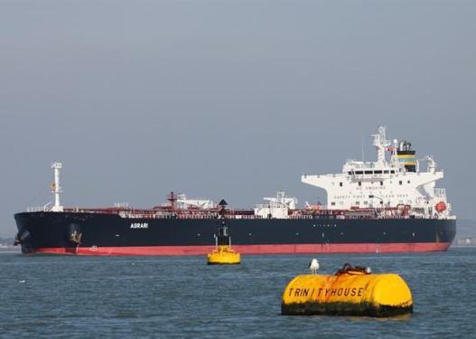 Incident në ujërat e Detit të Kuq, goditet nga minat naftëmbajtësja greke