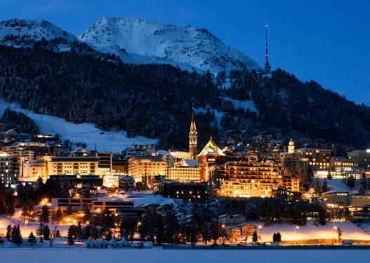 Varianti i ri Covid-19/ Zvicra rikthen karantinën, mbyllen edhe shkollat