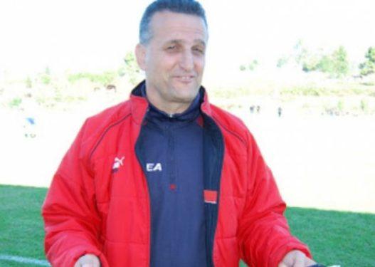 Ngacmoi s*ksualisht në makinë dy të miturit, kush është ish-trajneri i futbollit i ekstraduar nga Greqia?