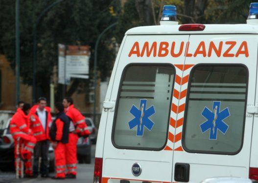 Transportonin me ambulancë marijuanë me vlerë 300 mijë euro, e pësojnë keq dy persona