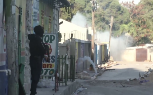 Shpërthim brenda një burgu në Haiti – vdesin 25 persona dhe arratisen 400