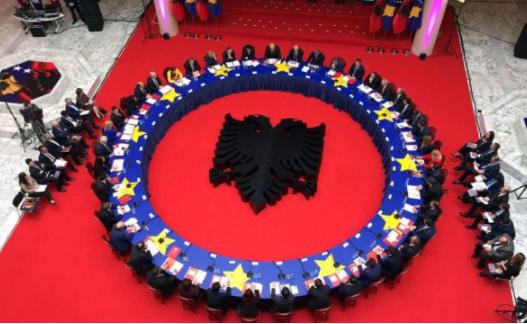 Kosova dhe Shqipëria vendosin t'i shënojnë së bashku ngjarjet historike