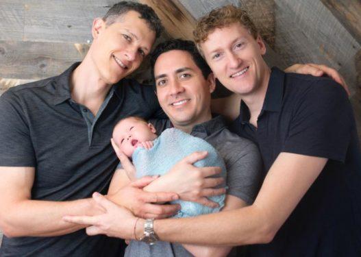 """Treshja e baballarëve gay """"në luftë"""" me Gjykatën, nuk u njihnin prindërimin për fëmijët"""