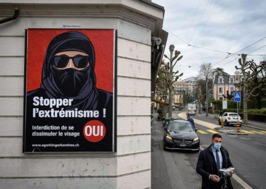 Zvicra miraton vendimin, ndalon mbulimin e fytyrës në publik