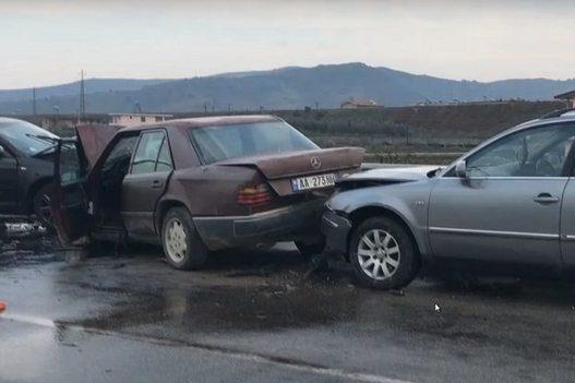 Parakaloi gabim, arrestohet shoferi që shkaktoi aksidentin me 3 viktima në Rrogozhinë