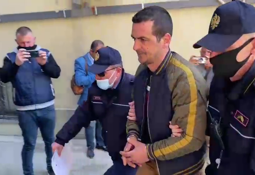 I vuri flakën Drejtorisë Arsimore në Fier pasi e gënjyen për punë, lihet në burg për 7 Mars mësuesi
