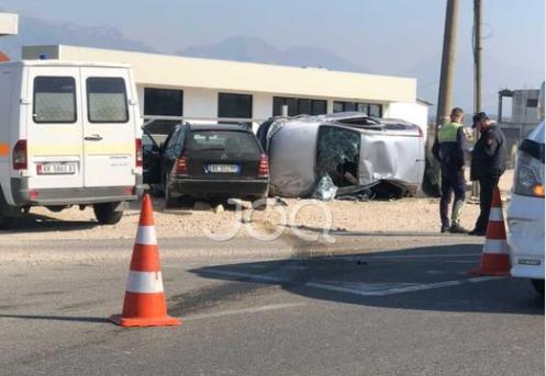 Pamje nga aksidenti në Fushë-Krujë, plagoset një 21-vjeçar