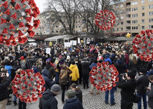 Fundjava rikthen protestat në shtetin europian/ Qindra qytetarë kundër masave shtrënguese ndaj Covid