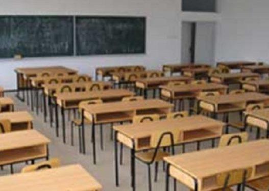 Pas skandaleve të shumta me librat shkollorë, Ministria e Arsimit jep zotimin