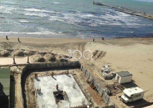 """Në prag të sezonit turistik, vijon """"masakra"""" e bregdetit të Durrësit"""