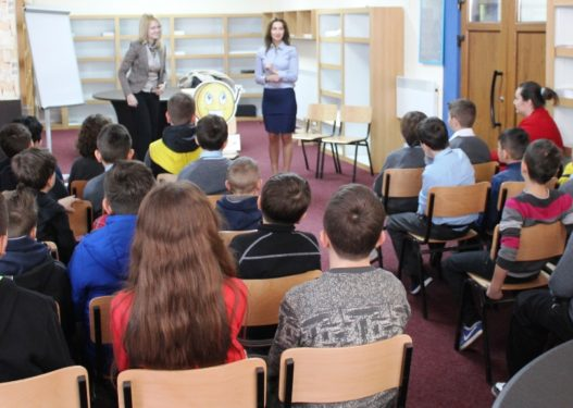 Skandaloze! Në shkollat e Maqedonisë mësohen tekste që fyejnë shqiptarët