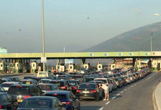 Mbi 13 mijë kosovarë udhëtuan drejt Shqipërisë