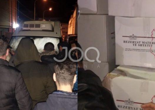 Rama përdor Rezervat e Shtetit për fushatë! Kapet furgoni me mallra në Berat