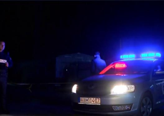 Shtireshin si policë dhe ndalonin njerëzit, kapen nga policia