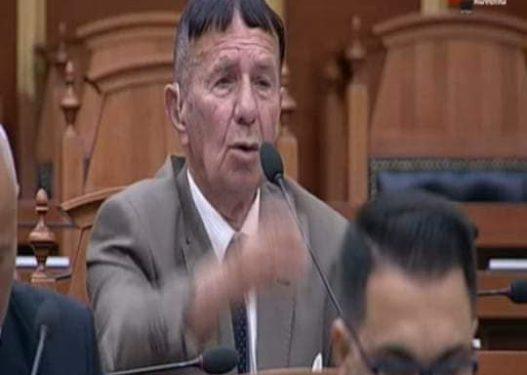 Mori vetëm 13 vota, deputeti Selami Jenisheri bën bujë me deklaratën e tij: E futa Shqipërinë në OKB!