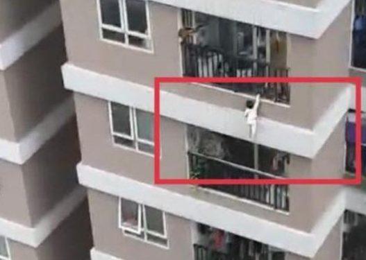 E rëndë në Konispol, fëmija 4-vjeçar bie nga ballkoni teksa luante