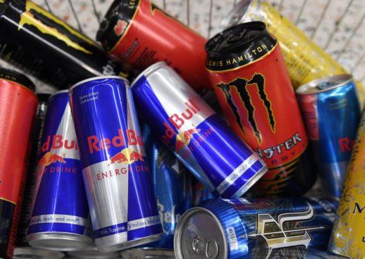 Piu 12 pije energjike në ditë për 1 vit/ 55-vjeçarit i rrezikohet jeta, pëson atak në zemër