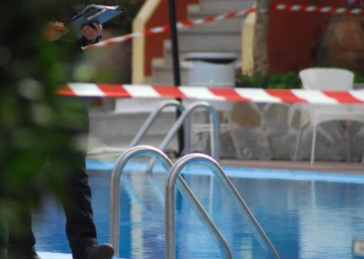 Ra në pishinë, vogëlushi në Greqi lufton për jetën