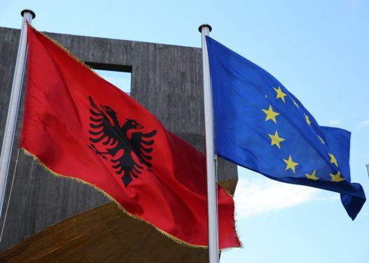 Nuk ka çelje negociatash për Shqipërinë/ Ministrat e jashtëm të BE-së e heqin nga axhenda