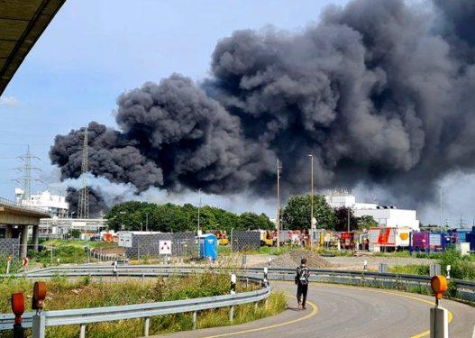 """""""Mbyllni dyert dhe dritaret""""/ Shpërthim i fuqishëm në Gjermani"""