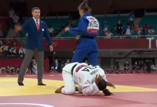 Triumfon Nora Gjakova, fiton medaljen e artë