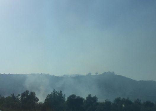 """Shqipëria nën """"pushtetin"""" e zjarrit? Regjistrohen tre vatra të reja në kodrat e Vorës"""